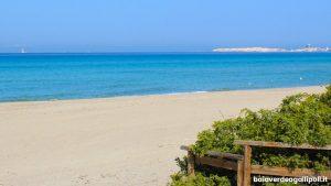 Gallipoli tra spiagge sabbiose, mare e mura antiche