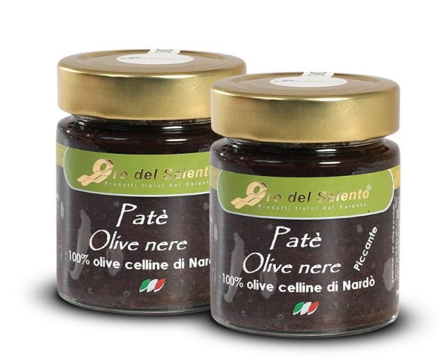 Black olives spread from cellina di nardò olives, mild and spicy